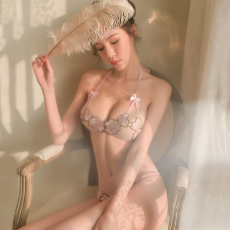 霏慕 玫瑰刺绣开档三点式情趣内衣诱惑透视装-美咻咻商城
